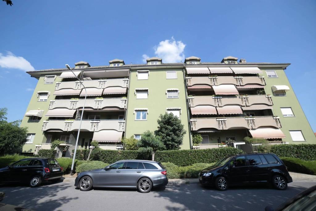 Appartamento in buone condizioni in vendita Rif. 7795155