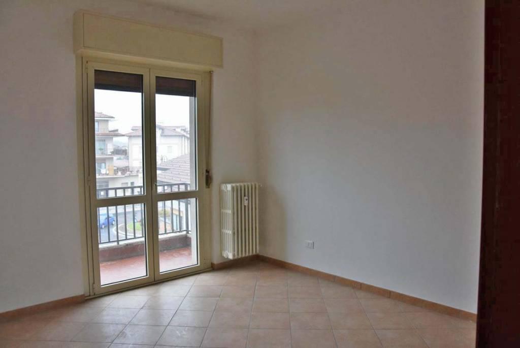 Appartamento in buone condizioni in affitto Rif. 7795194