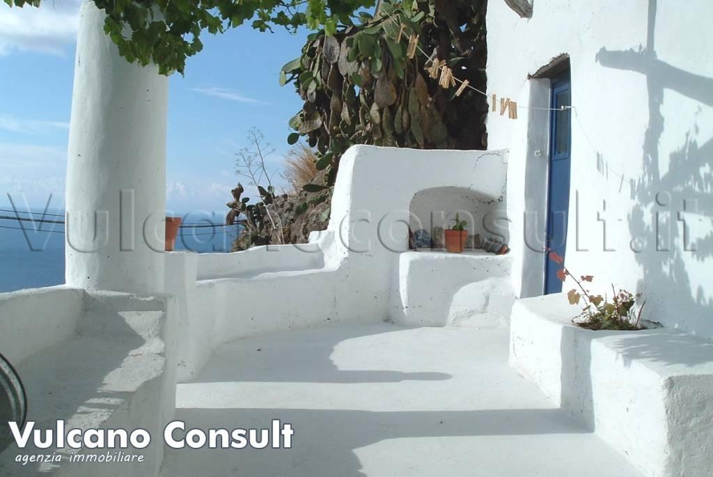 Appartamento in buone condizioni parzialmente arredato in vendita Rif. 8078508
