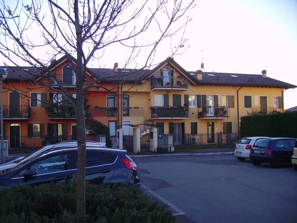 Appartamento in ottime condizioni arredato in vendita Rif. 5385202