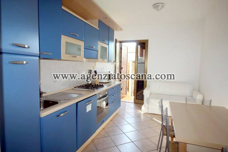 Appartamento in vendita a Forte dei Marmi, 3 locali, prezzo € 290.000 | PortaleAgenzieImmobiliari.it