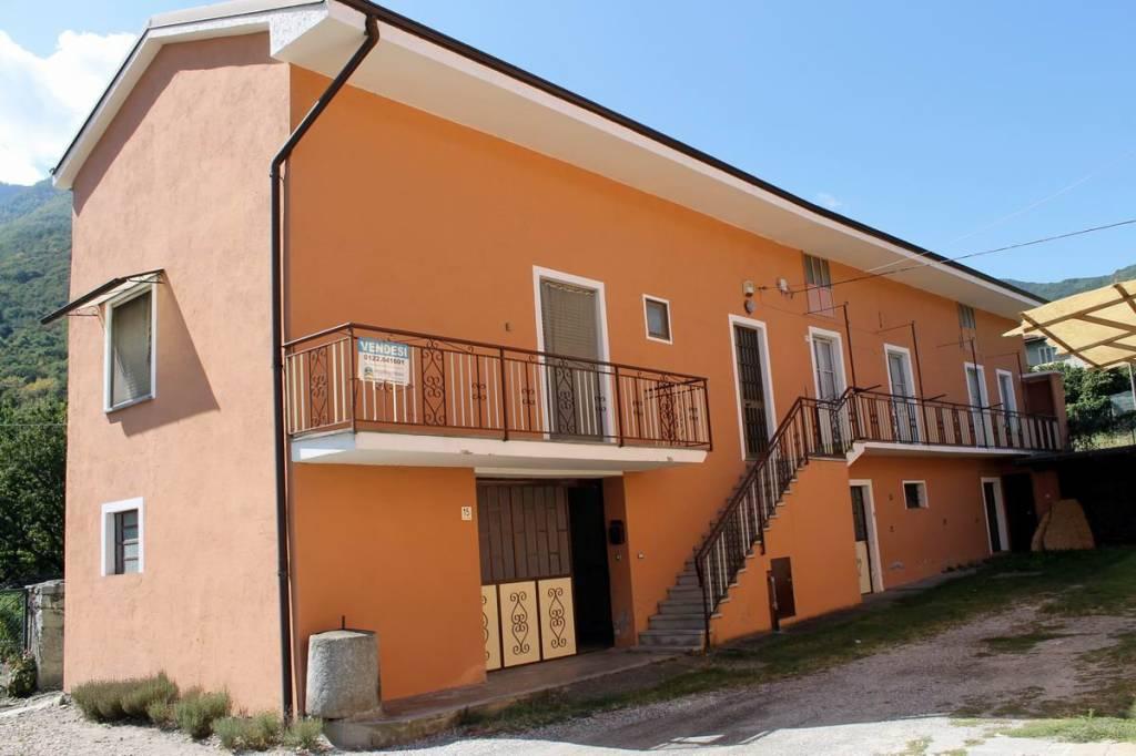 Foto 1 di Rustico / Casale via Roma, Villar Focchiardo