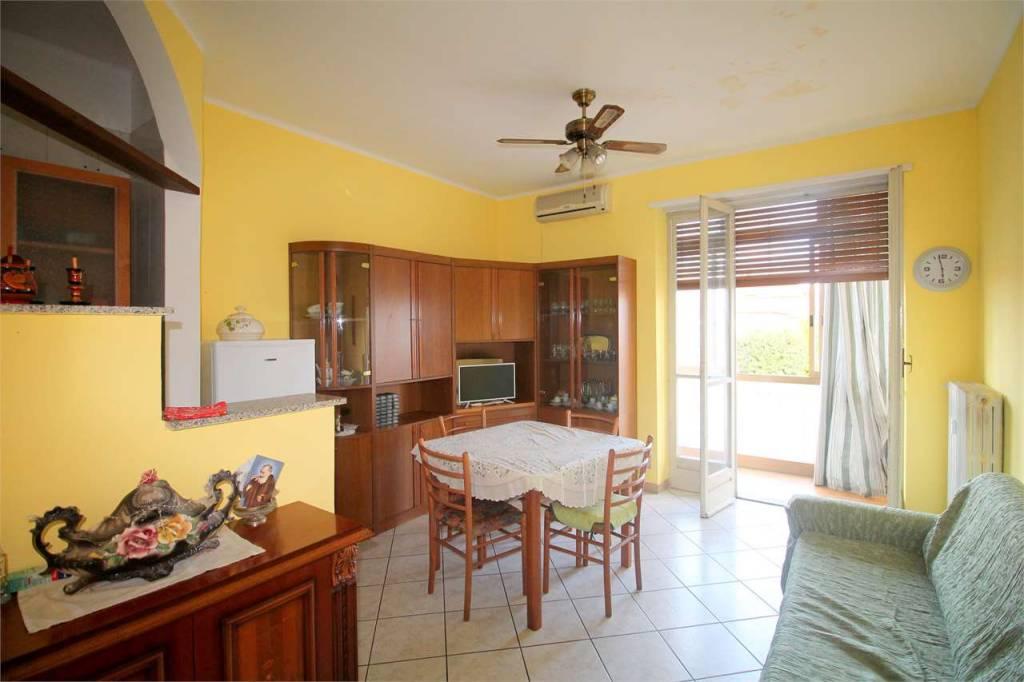 Appartamento in buone condizioni in vendita Rif. 7809205