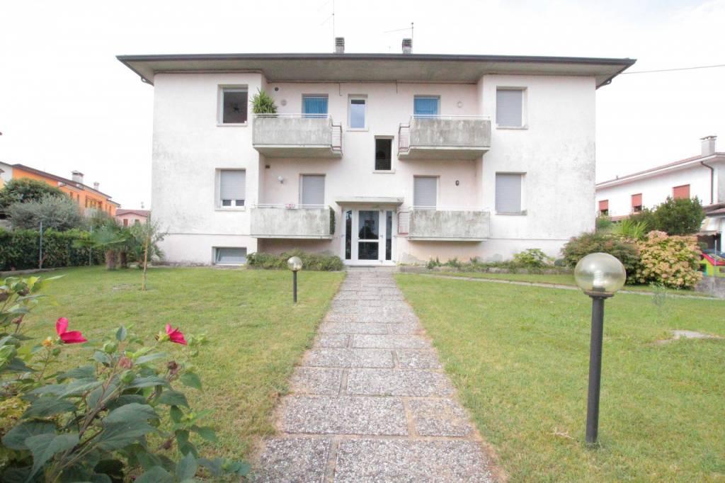 Appartamento in buone condizioni in vendita Rif. 7809529