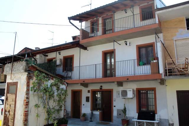Appartamento in ottime condizioni in vendita Rif. 6679348
