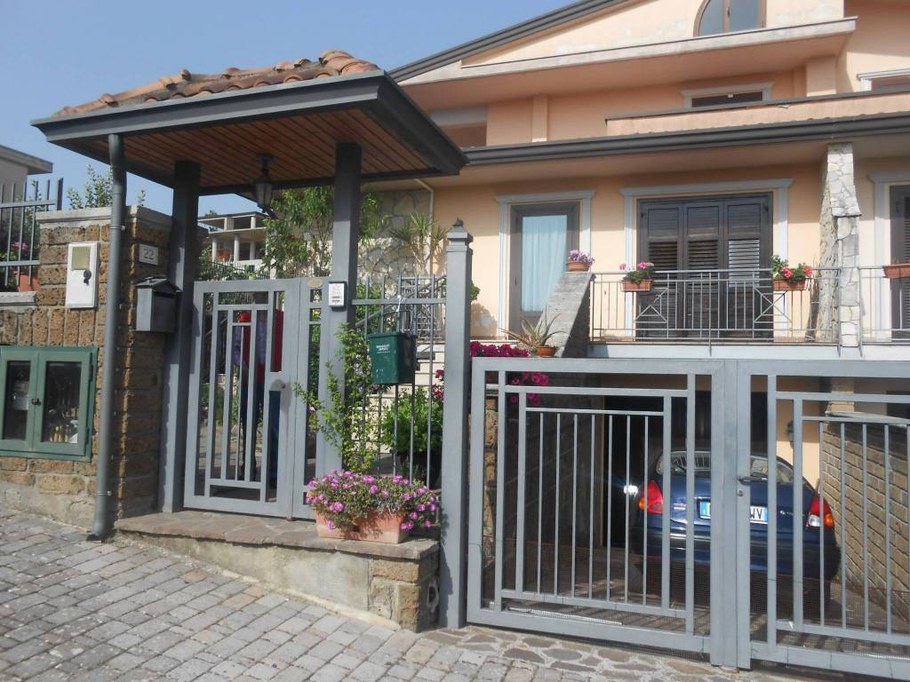 Villa in buone condizioni in vendita Rif. 7875865