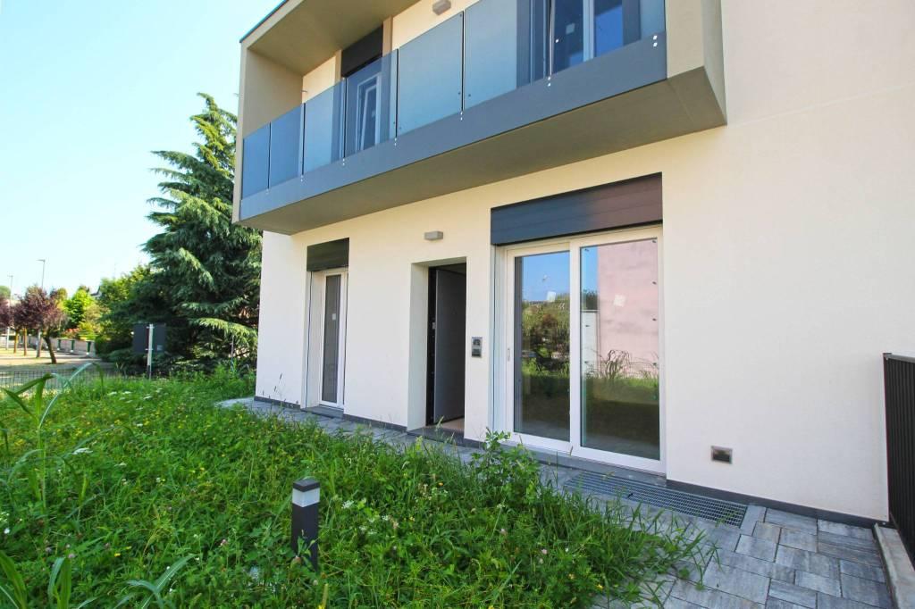 Villa in vendita a Rovellasca, 3 locali, prezzo € 265.000 | CambioCasa.it