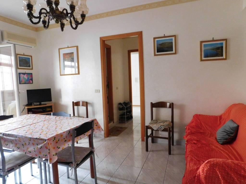 Appartamento in ottime condizioni parzialmente arredato in vendita Rif. 7807550