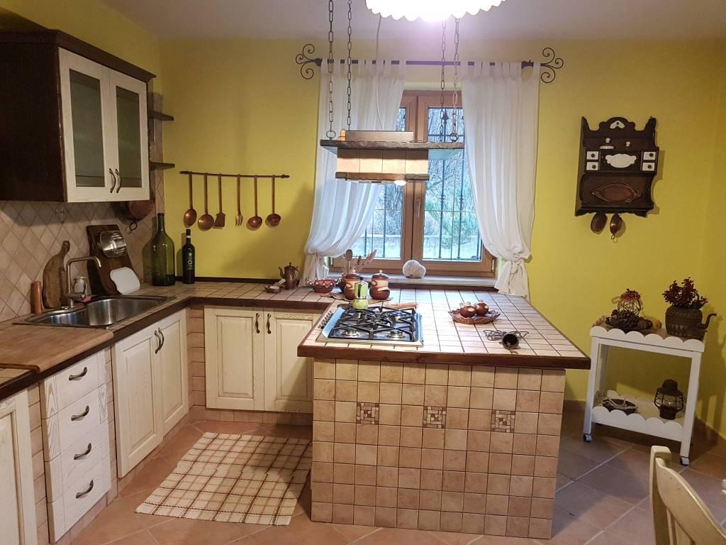 Villa in ottime condizioni in vendita Rif. 7875867