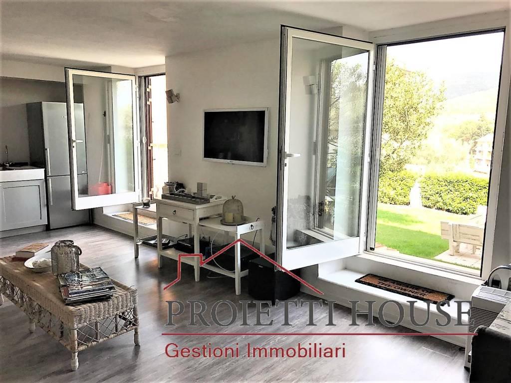 Appartamento in ottime condizioni arredato in affitto Rif. 7814136