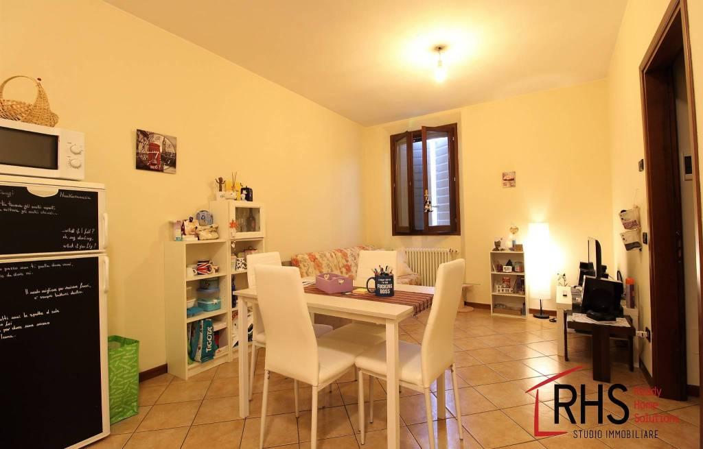 Appartamento in ottime condizioni parzialmente arredato in affitto Rif. 7813473