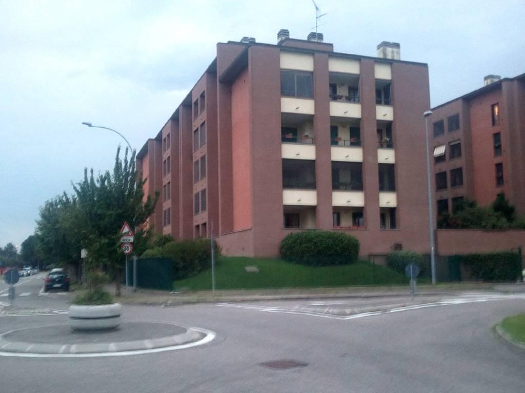 Appartamento in buone condizioni parzialmente arredato in affitto Rif. 7807974
