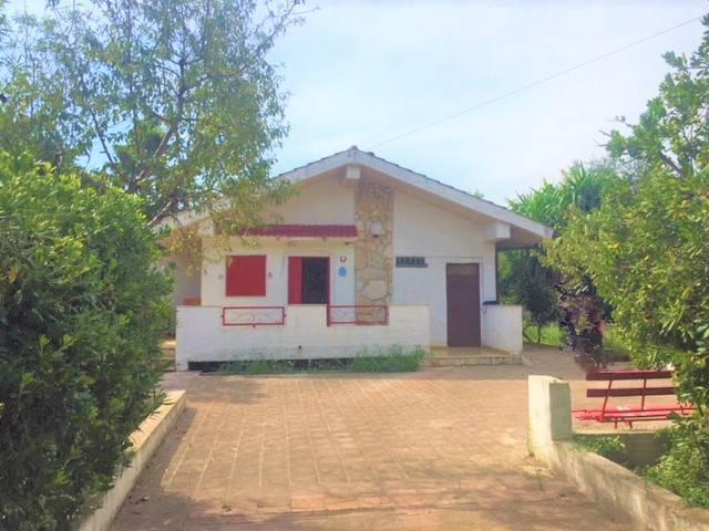 Villa da ristrutturare parzialmente arredato in vendita Rif. 7810842