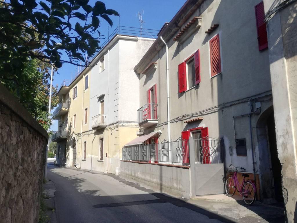 Appartamento in buone condizioni in vendita Rif. 8692468