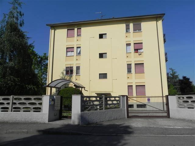 Appartamento in buone condizioni in affitto Rif. 7807670