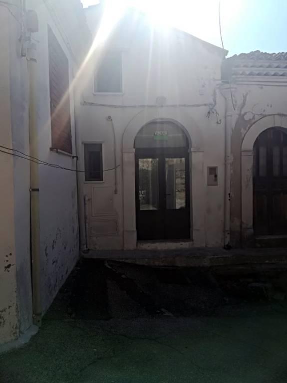 Grassano - Vendesi caratteristica abitazione