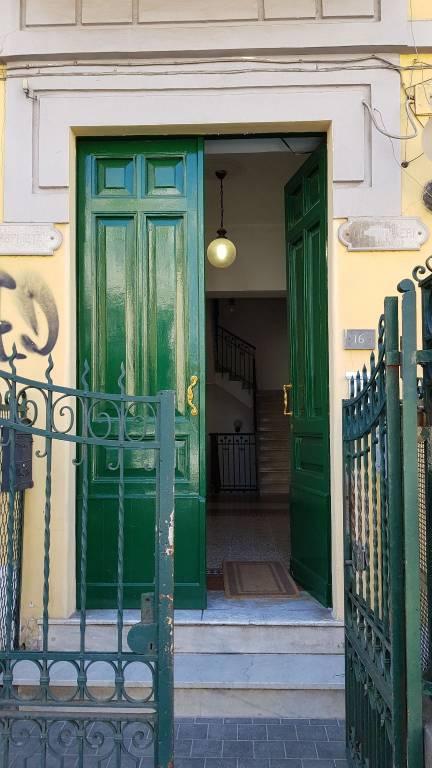 Appartamento in buone condizioni in affitto Rif. 7189840