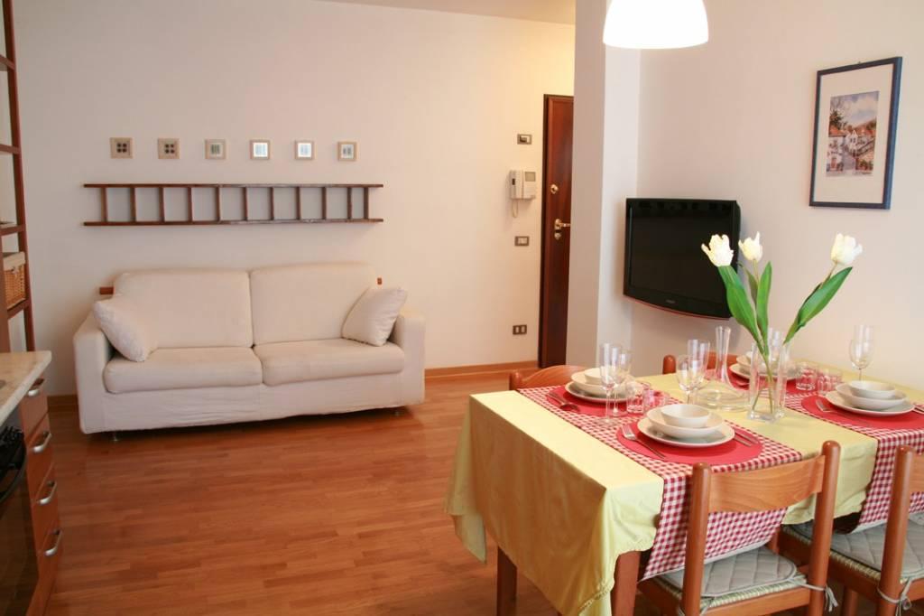 Appartamento in ottime condizioni arredato in affitto Rif. 7807694
