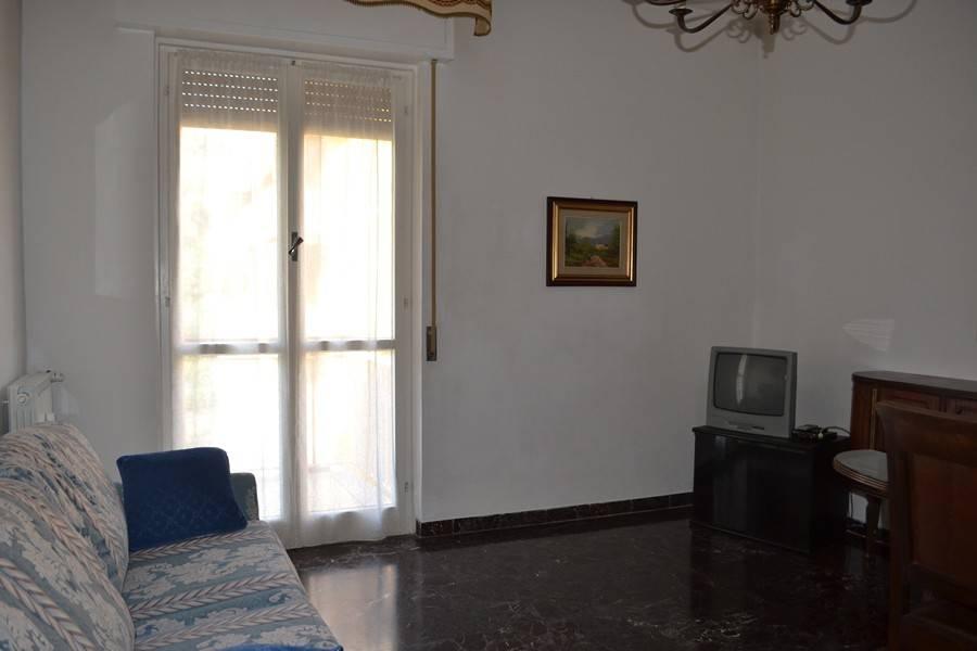 Appartamento in buone condizioni arredato in affitto Rif. 7809557