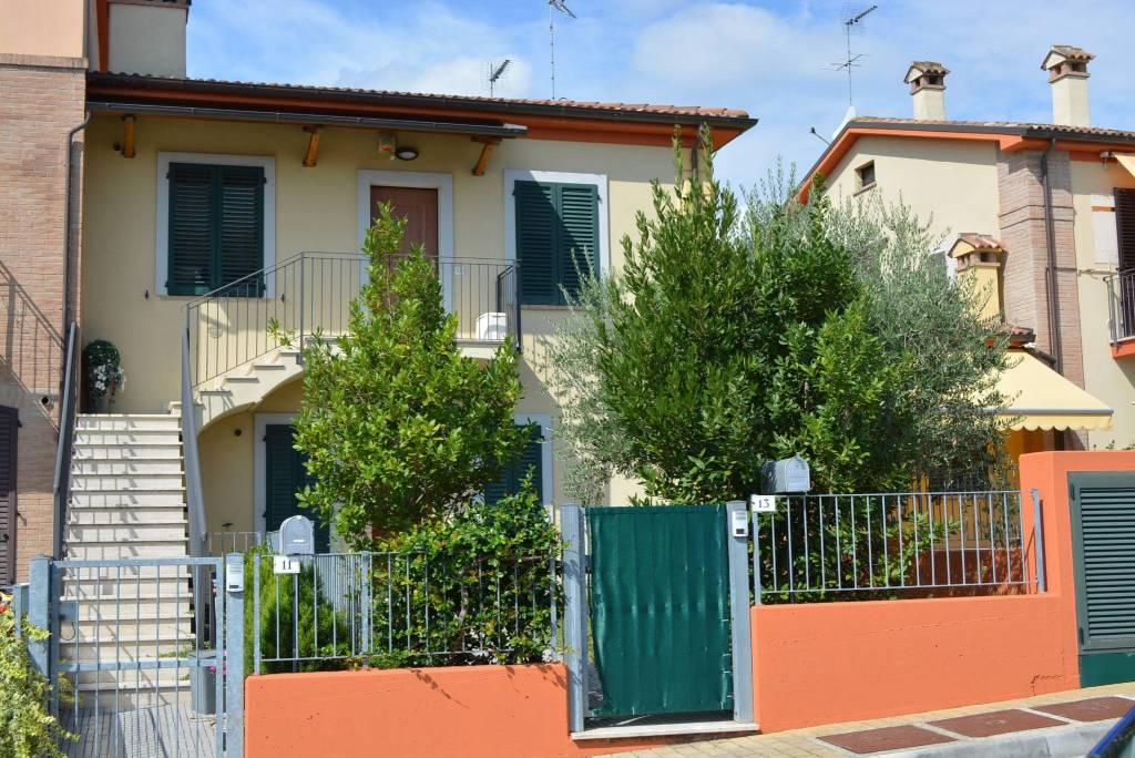 Appartamento in buone condizioni in vendita Rif. 7807996