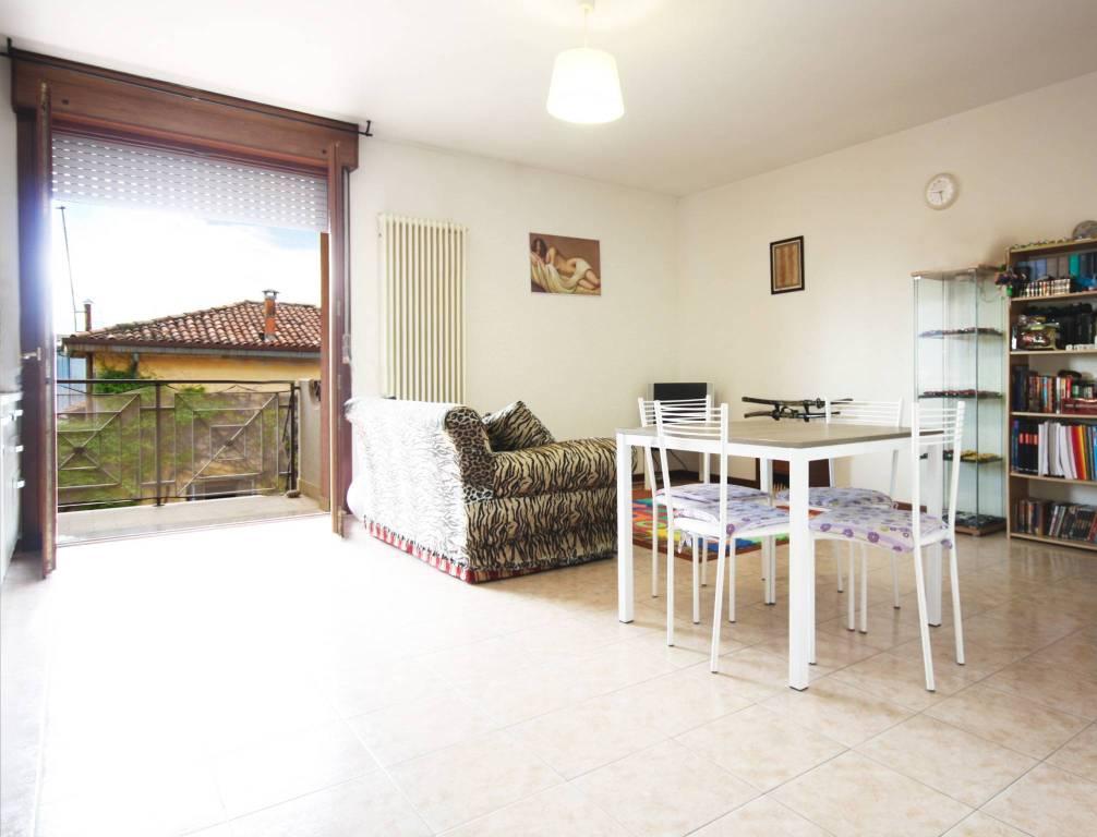 Appartamento in buone condizioni parzialmente arredato in vendita Rif. 7809486