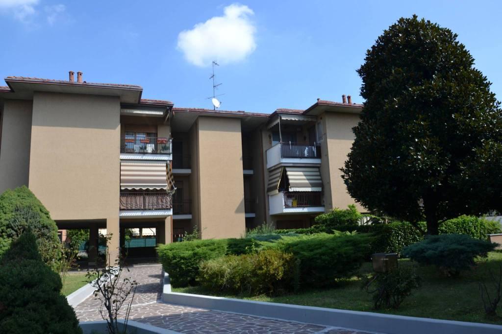 Appartamento in ottime condizioni parzialmente arredato in vendita Rif. 7809621