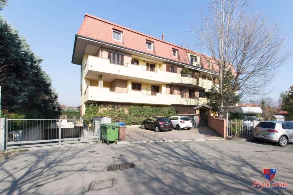 Appartamento in ottime condizioni in vendita Rif. 7807264