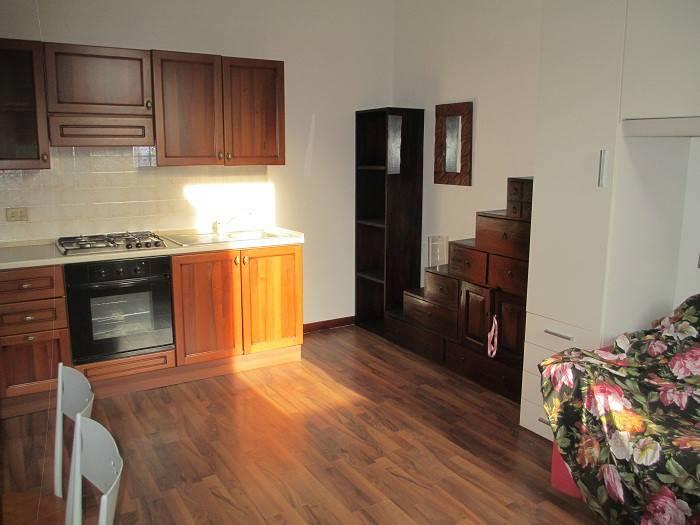 Appartamento in ottime condizioni arredato in vendita Rif. 7813678