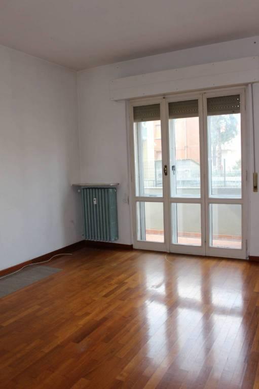 Appartamento in Affitto a Parma Semicentro: 3 locali, 90 mq