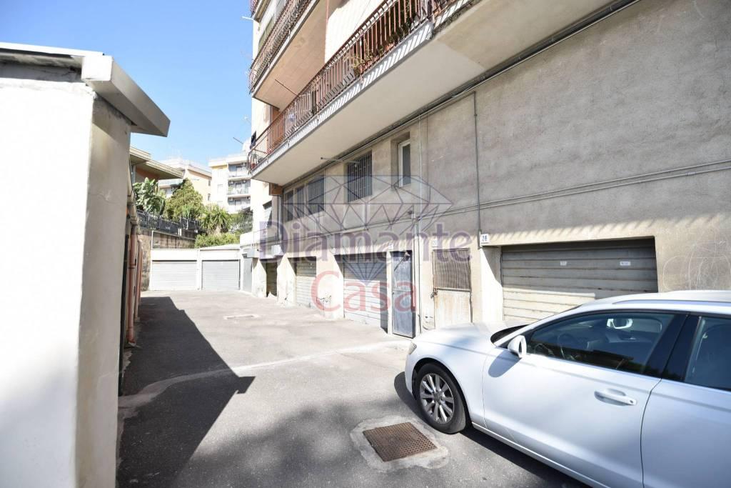 Posto-box auto in Vendita a Gravina Di Catania Semicentro: 35 mq