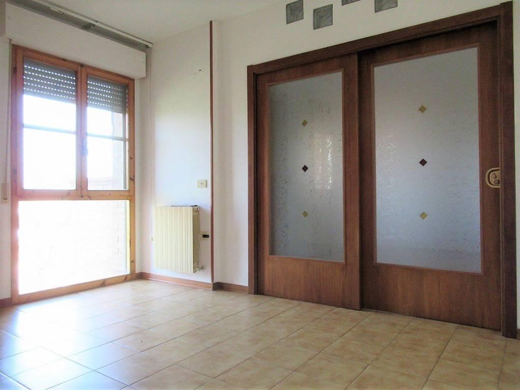 Appartamento in buone condizioni in affitto Rif. 7807461