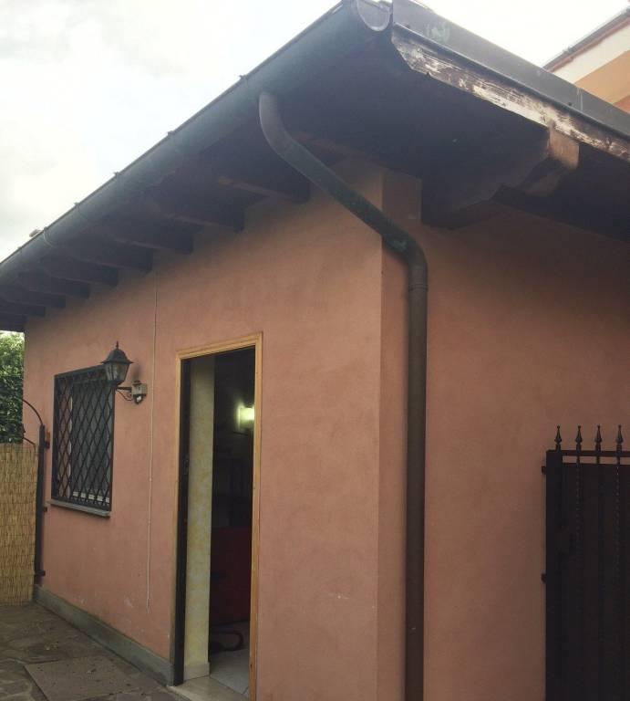 Appartamento in buone condizioni arredato in affitto Rif. 7807450