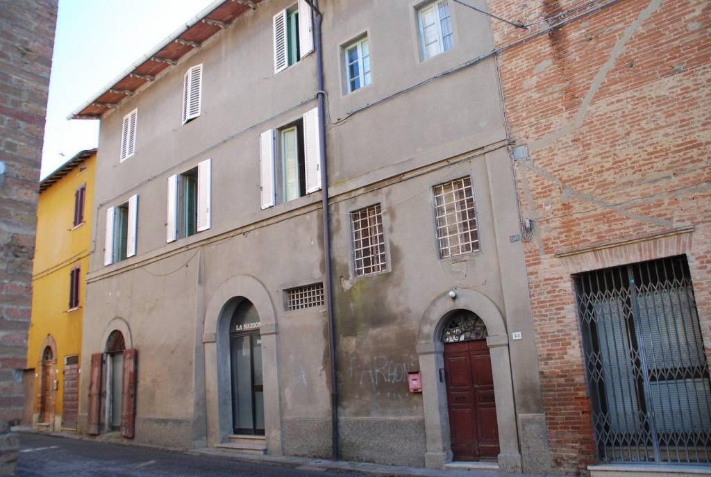 Appartamento in Vendita a Castiglione Del Lago Periferia: 5 locali, 180 mq