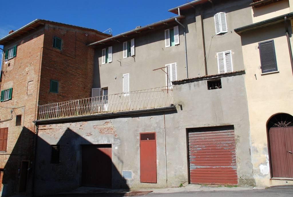 Appartamento in Vendita a Castiglione Del Lago Periferia: 5 locali, 110 mq