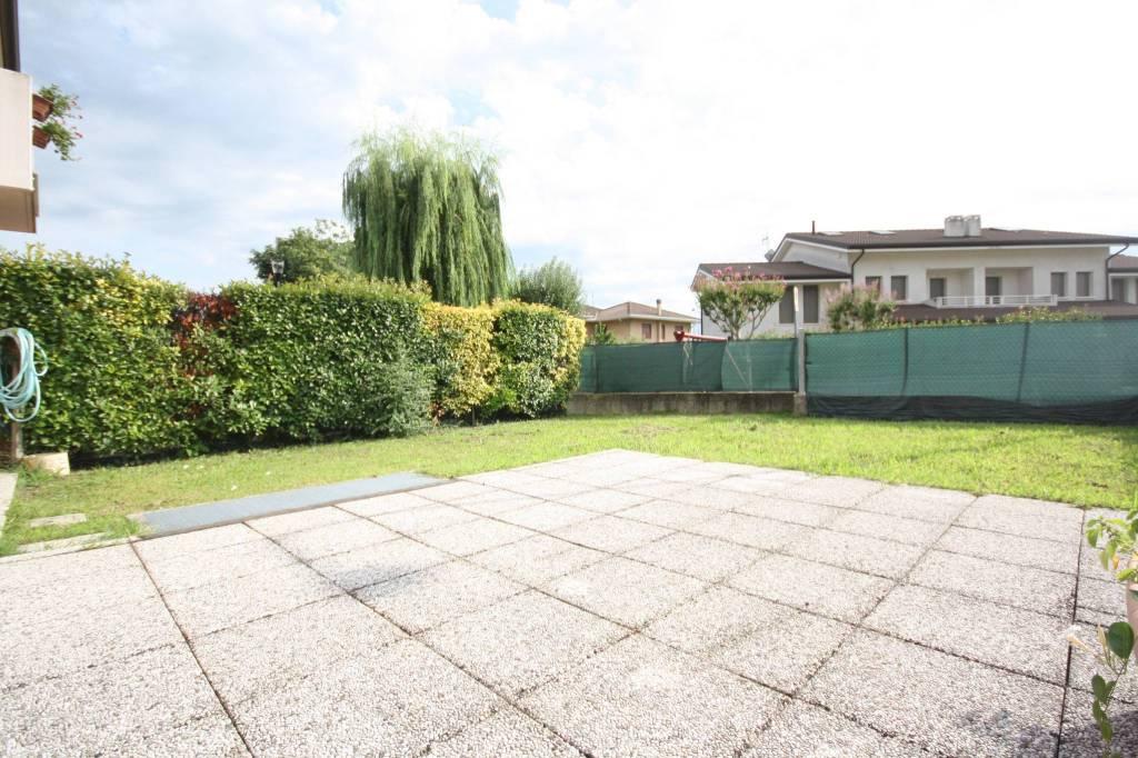 Appartamento in ottime condizioni arredato in vendita Rif. 7809488