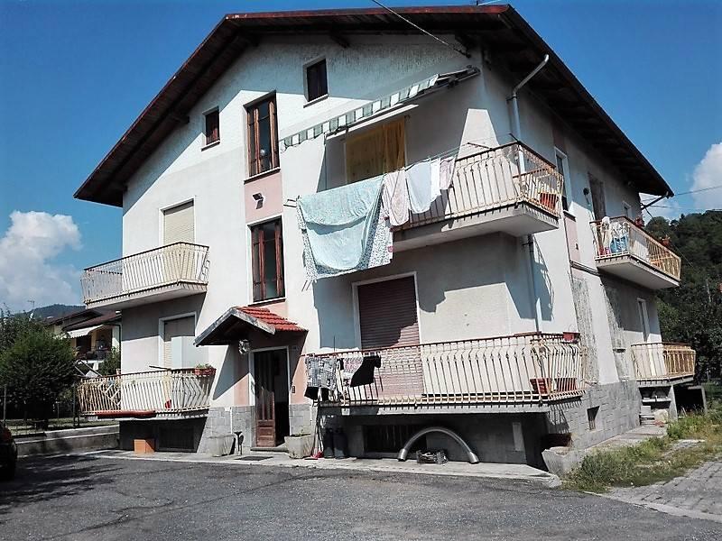 Appartamento in buone condizioni in vendita Rif. 7810118