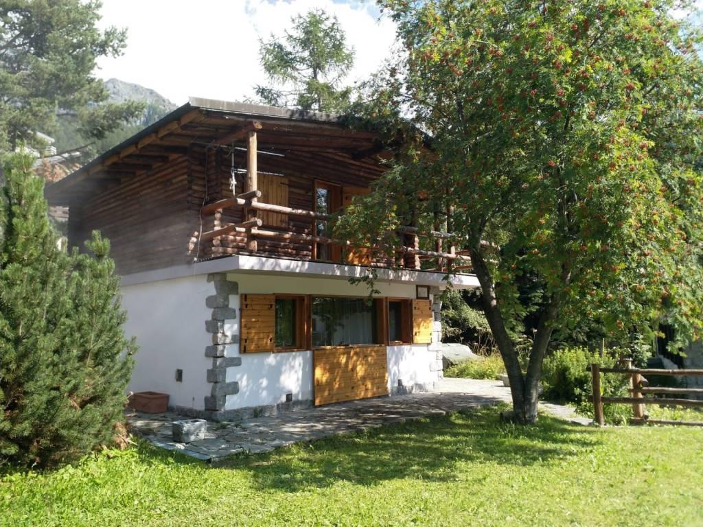 Villa in buone condizioni parzialmente arredato in vendita Rif. 7814297
