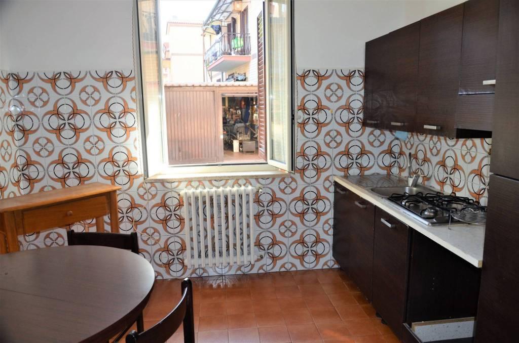 Appartamento in buone condizioni in affitto Rif. 7811588