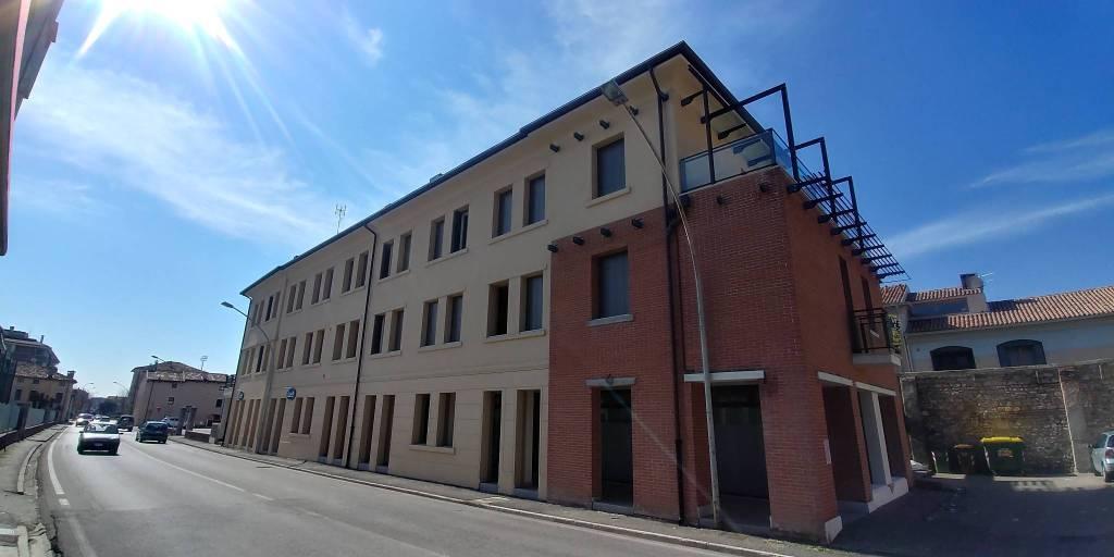 Appartamento in ottime condizioni in vendita Rif. 9142157