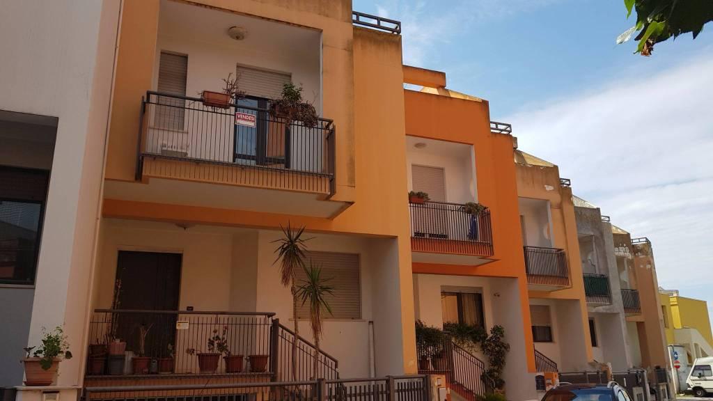 Villetta in Vendita a Arnesano Centro: 4 locali, 207 mq