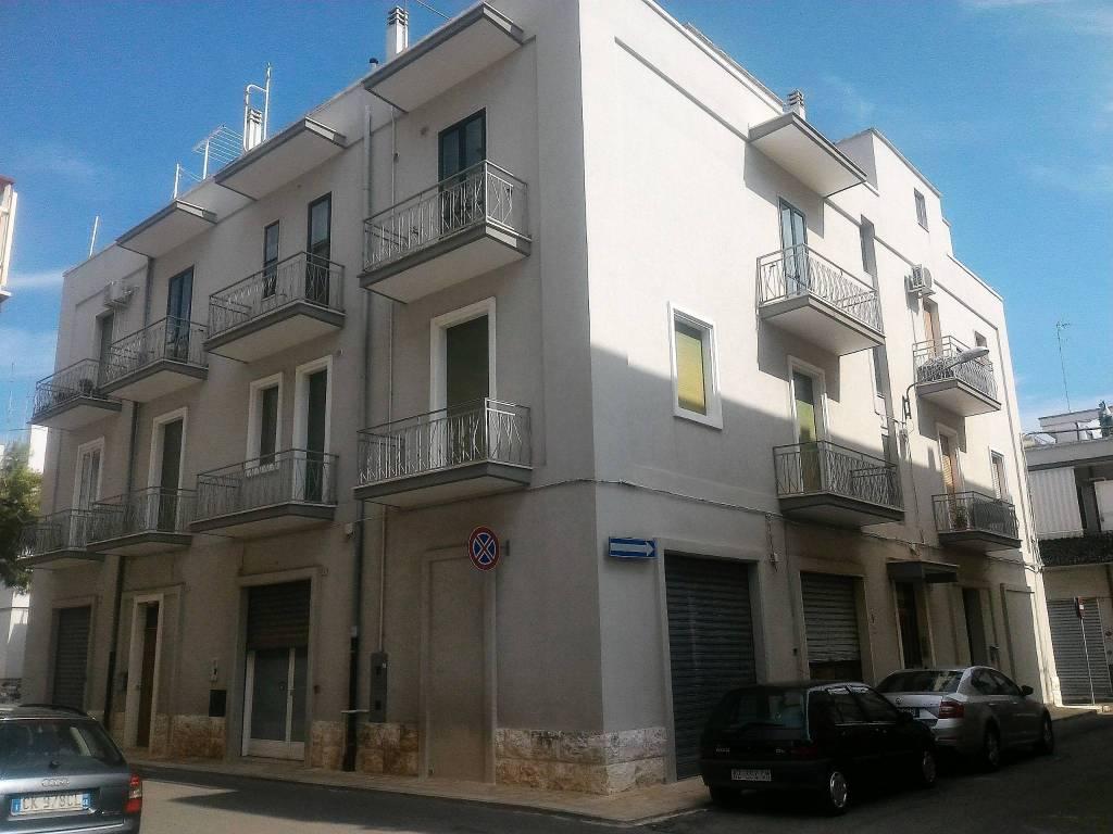 Appartamento in ottime condizioni arredato in vendita Rif. 7820133