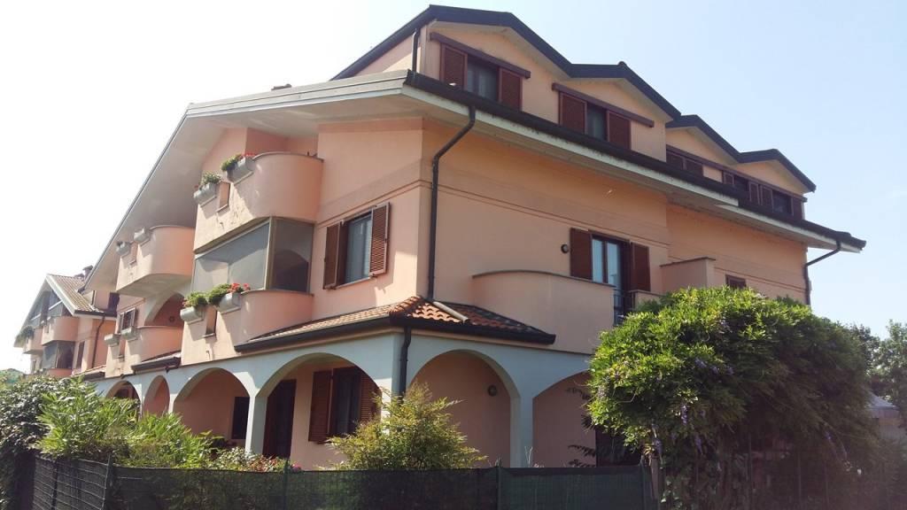 Appartamento in buone condizioni in vendita Rif. 7820158