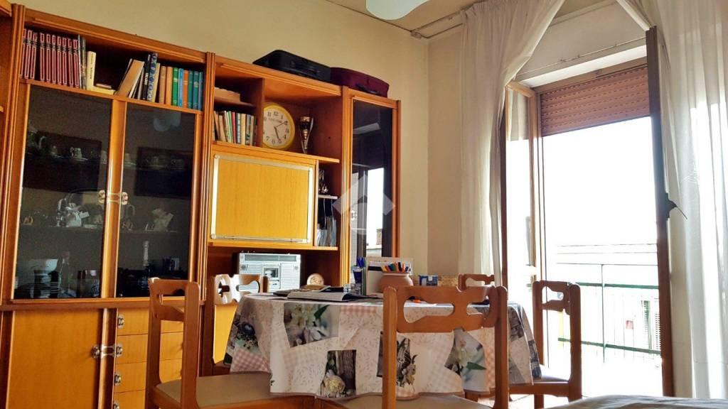 Appartamento in buone condizioni in vendita Rif. 9225754