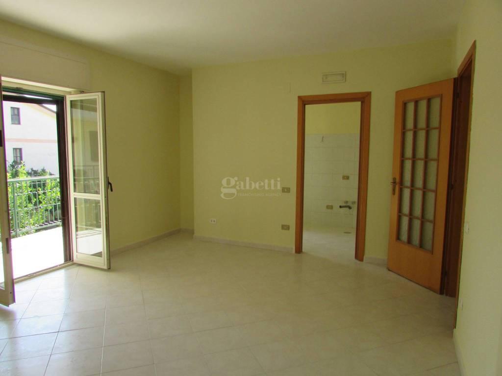 Appartamento in ottime condizioni in affitto Rif. 7821731