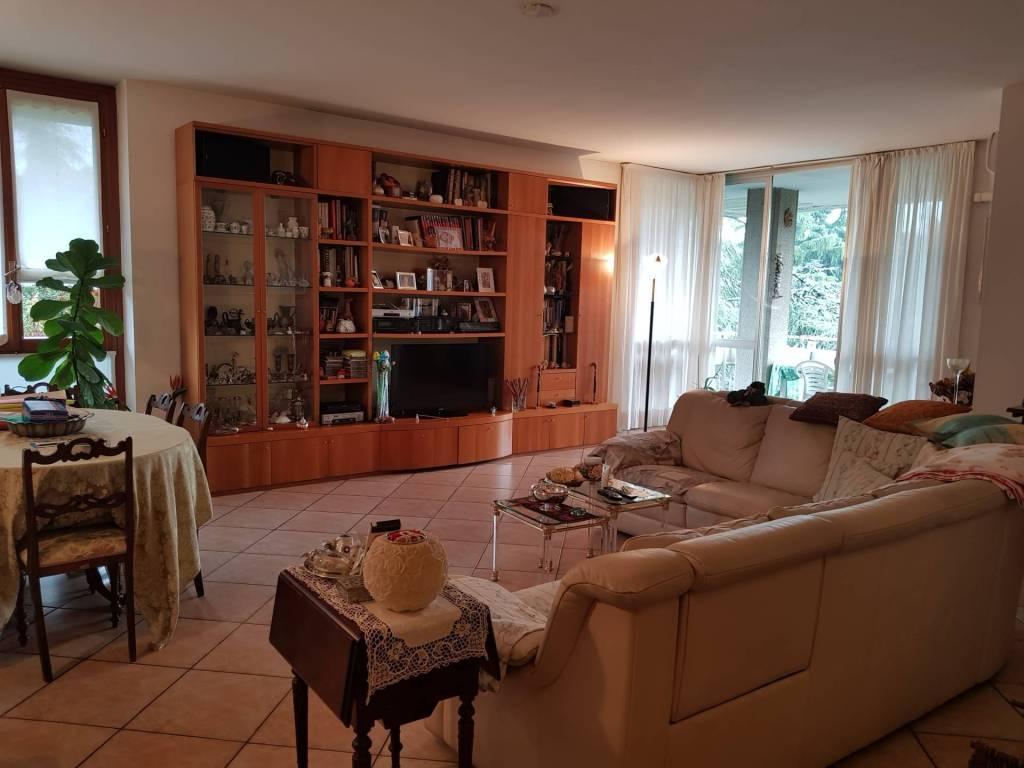 Appartamento in vendita a Segrate, 6 locali, prezzo € 770.000 | PortaleAgenzieImmobiliari.it