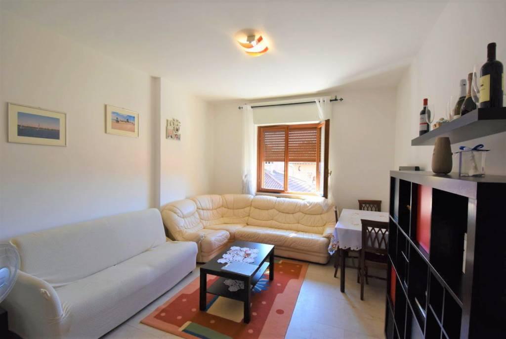 Appartamento in buone condizioni arredato in affitto Rif. 8788472