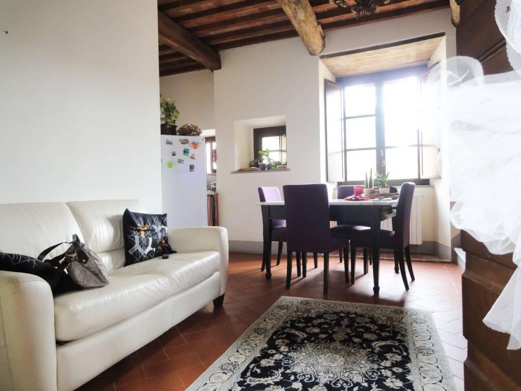 Appartamento in ottime condizioni arredato in affitto Rif. 7833558