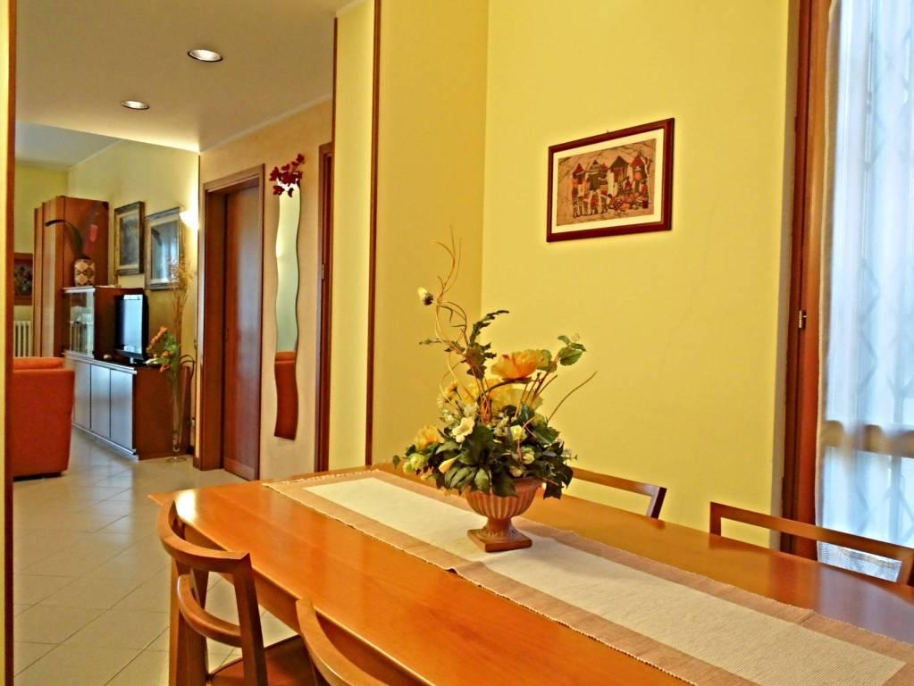 Appartamento in buone condizioni in vendita Rif. 7833635