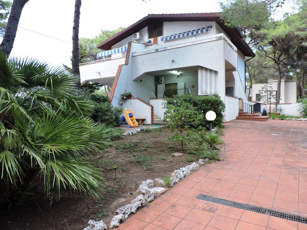 Villa piano terra + tavernetta a Castellaneta Marina