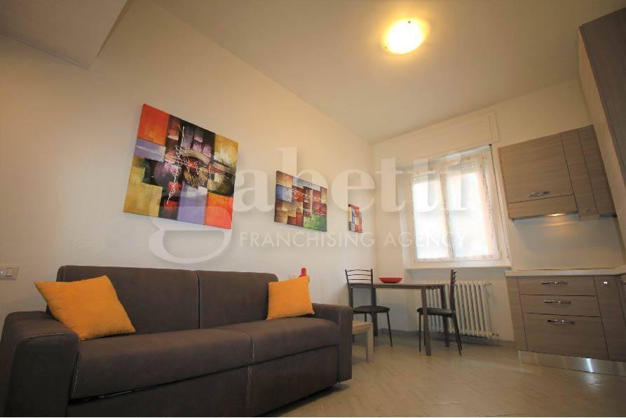 Appartamento in ottime condizioni arredato in vendita Rif. 7834553